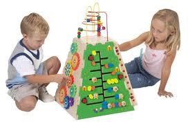 แพทย์ชี้เด็กยิ่งเล่นยิ่งฉลาด แนะพ่อแม่ส่งเสริมการเล่นอย่างอิสระ 7 ประการ