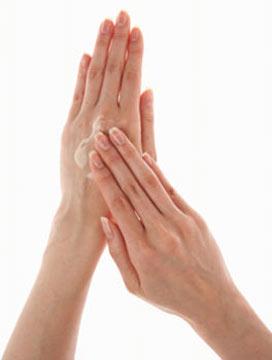 7 เคล็ดลับ รักษามือให้น่าหลงใหล