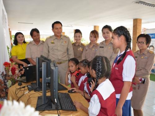 ศรีสะเกษ พลิกครูไทย สร้างเด็กไทย 4.0 สอนเด็กพูดภาษาอังกฤษชัดกว่าเจ้าของภาษา