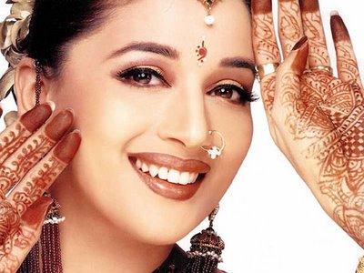 ทำไมมีจุดแดงบนหน้าผากสตรีอินเดีย