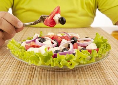 สลัดผักดีกับสุขภาพจริง แต่ต้องกินให้ถูกวิธีด้วยเช่นกัน