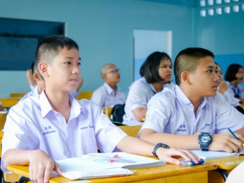 รร.ตากพิทยาคม สพม.38 จัดการศึกษาทางไกลแบบสื่อสารสองทาง ให้กับ 3 รร.ขยายโอกาส ในเขตภาคเหนือตอนล่าง