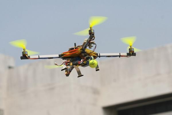 เยาวชนไทยล้ำ นำหุ่นยนต์บินได้ก้าวข้ามขั้นสู่ วิศวกรรมอากาศยานขั้นสูง