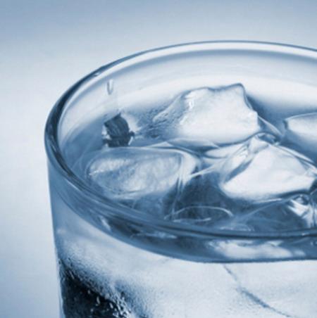 เหตุใดน้ำแข็ง จึงลอยอยู่บนน้ำได้