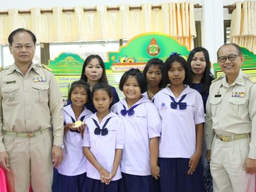 """สพป.สกลนคร เขต 3 จัดประกวดโครงงานคุณธรรมเฉลิมพระเกียรติ """"เยาวชนไทย ทำดี ถวายในหลวง"""""""