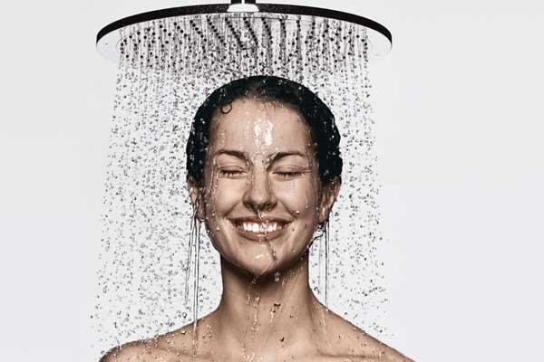6 ประโยชน์ของการอาบน้ำที่คุณอาจยังไม่รู้