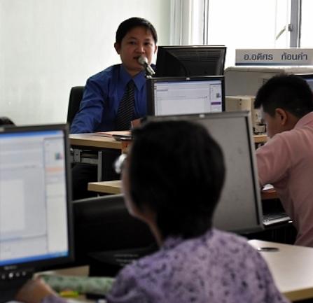 วิทยากรอบรมหลักสูตรโปรแกรมคอมพิวเตอร์ Advance 1 ให้กับคณาจารย์มหาวิทยาลัยหอการค้าไทย 28-30 ก.ย. 2552