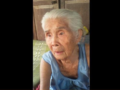 """หาฟังได้ยากยิ่ง คลิปคุณยายวัย 94 ปีท่อง """"ก.ไก่-ฮ.นกฮูก"""" แบบโบราณ"""