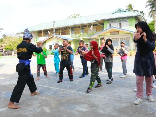 """ปิดเทอมเติมสนุกกับกิจกรรม """"สีลัต"""" เพื่อสันติ ศิลปะการต่อสู้-ป้องกันตัว สร้างสุขภาพดีสู่เยาวชน"""
