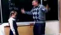 อึ้ง! คลิปเด็กรัสเซียเตะครู
