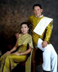 ชุดไทยพระราชนิยม และเสื้อพระราชทาน - ประเทศไทย